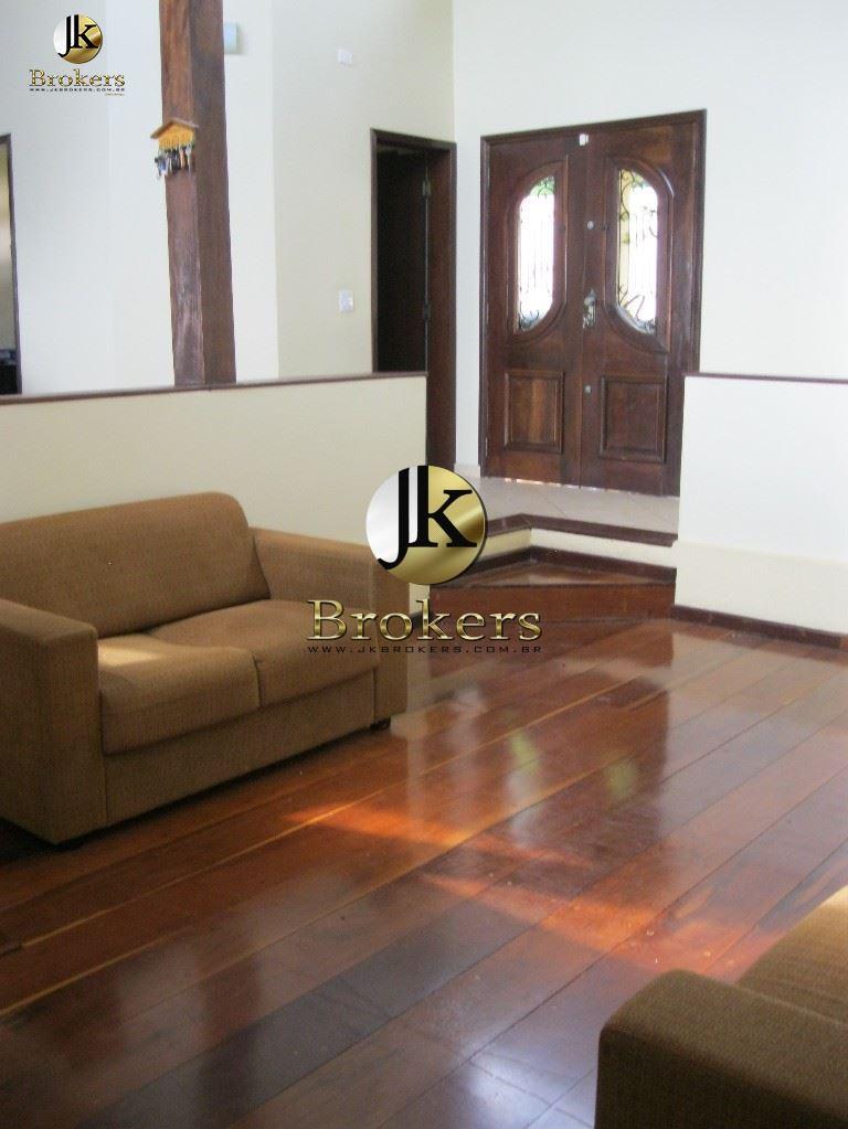 Ótima Residência à venda dentro do Condomínio de Alto Padrão! São Roque - SP