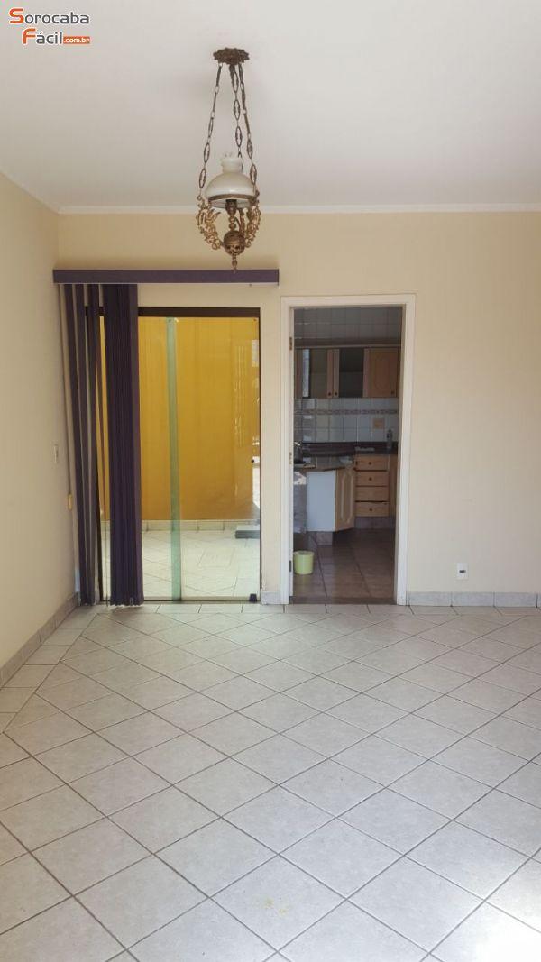 811 - Apartamento no Edifício Campolim