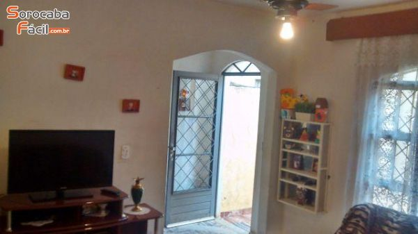 Casa Comercial Araçoiaba Cod. 2448