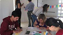 Estudantes promovem oficina para a festa junina dos idosos